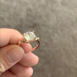 Accessories - Beautiful diamond ring